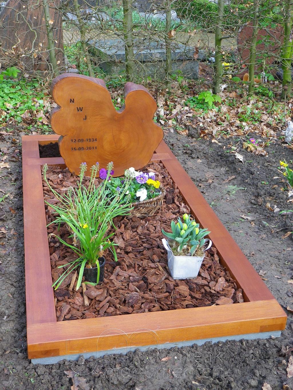 houten grafmonument, houten gedenkteken, schijf massief teakhout