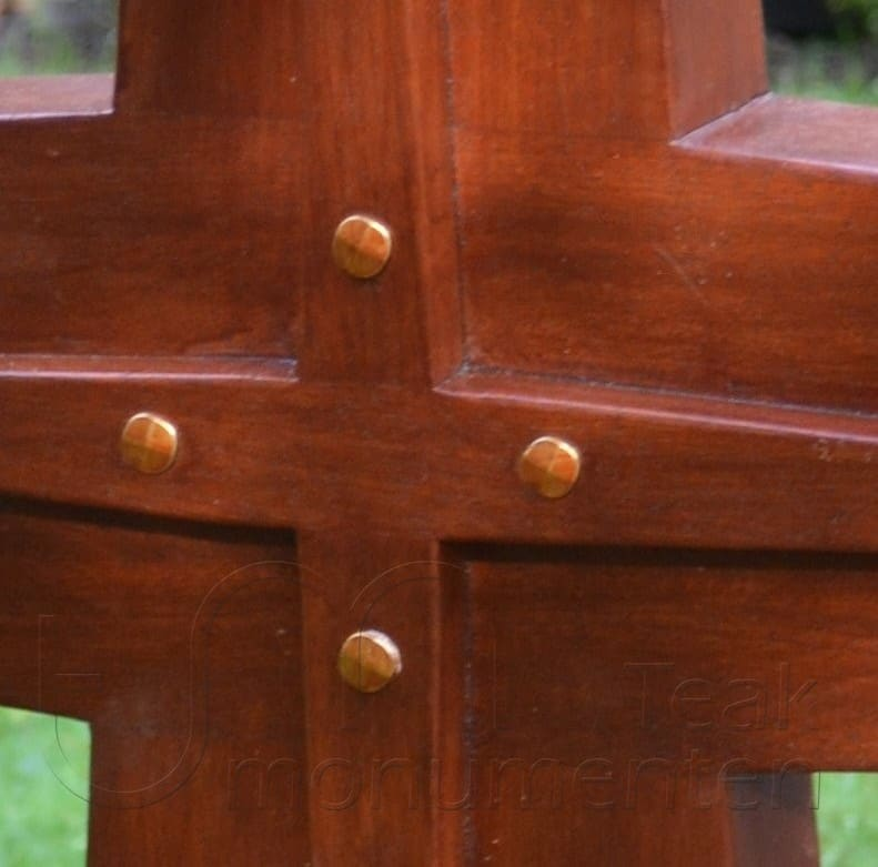 houten kruis met siernagels (part 1)
