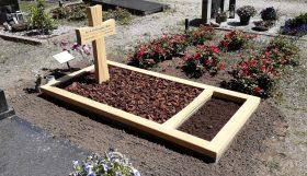 kruis met gebogen zijkanten inclusief omlijsting, Accoya hout
