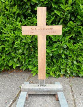 houten kruis, recht, teakhout