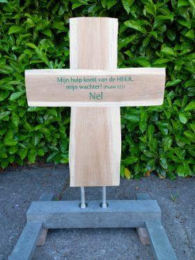 houten kruis, ruw teakhout