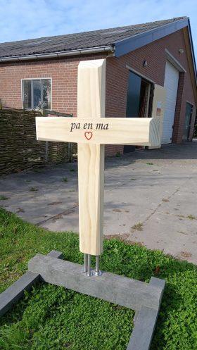 houten kruis, Accoya hout