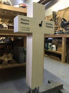 houten kruis, Accoya® hout