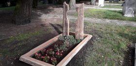 houten gedenkteken, grafkunst