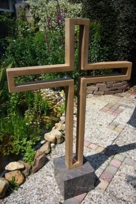 houten kruis, open binnenkant